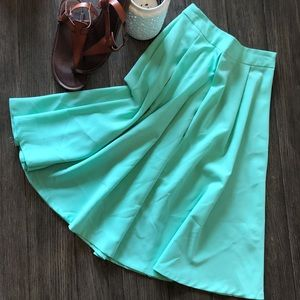 Spacegirlz mint knee skirt